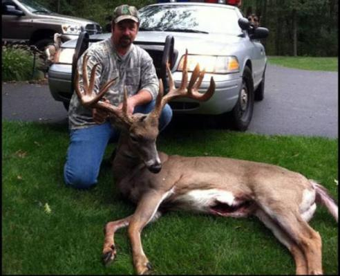dude with giant connecticut buck